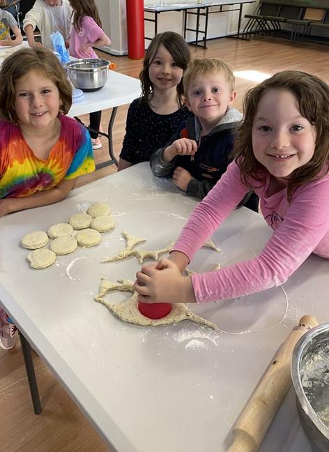 Making wattle seed scones