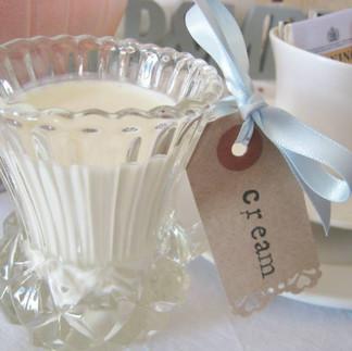 Milk & Cream Jugs (china & glass)