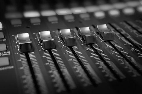 black-and-brown-audio-mixer-3784424_edit