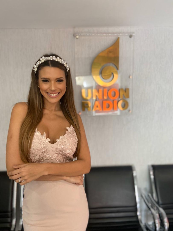 """Adriana Peña vuelve a la radio con """"Lo Más Top"""" en el Circuito Unión Radio"""