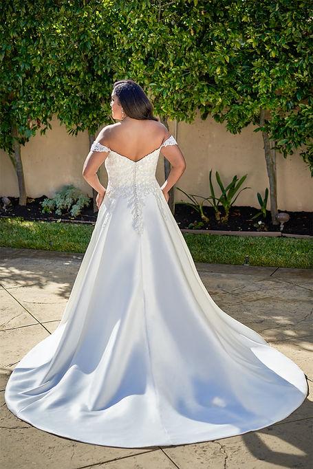 bridal-dresses-F221069N-B.jpg