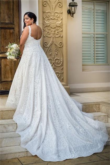 bridal-dresses-T222064N-B_xs.jpg