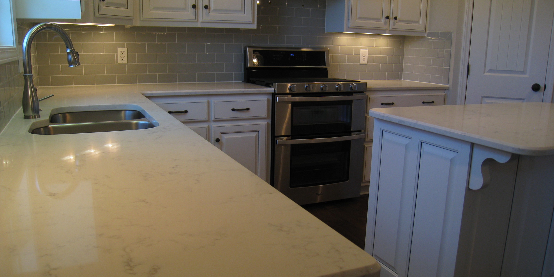 Quartz Countertop-341TE.jpg