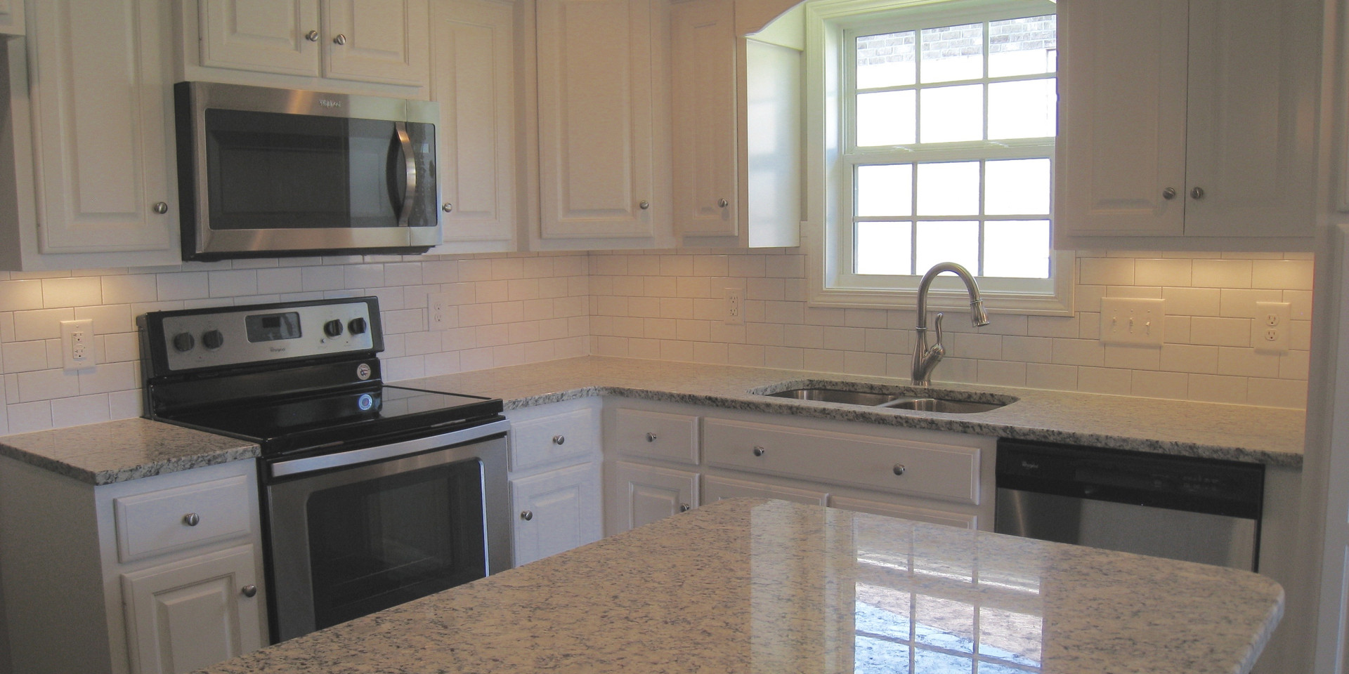 Kitchen-317TE.jpg
