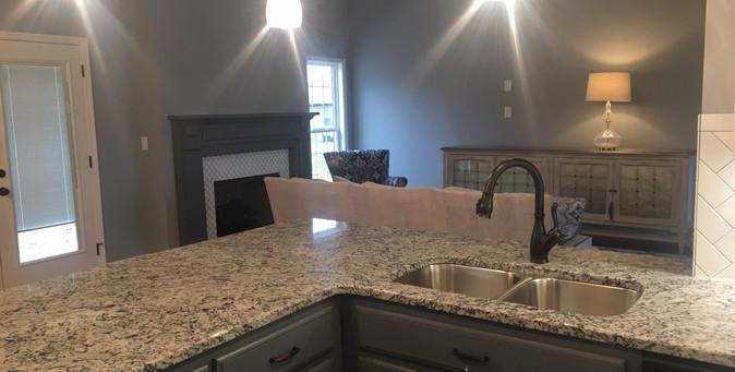 Kitchen Bar & Sink - 415TE.JPG