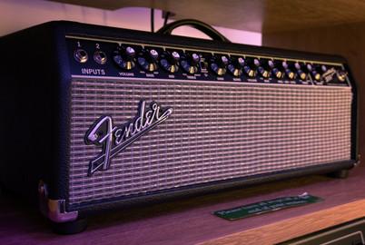 Fender.jpg