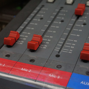 Using the Mic In Channels on the Desk