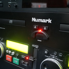 Using the Numark CD Player