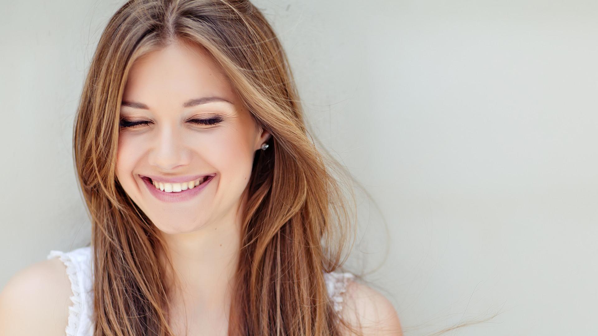 Beautiful woman smiling.jpg