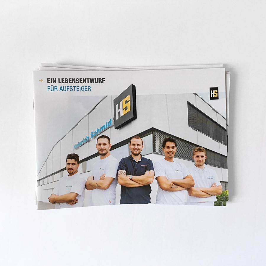 Gestaltung und Druckabwicklung der Print-Recruitungbroschüre für Heinrich Schmid
