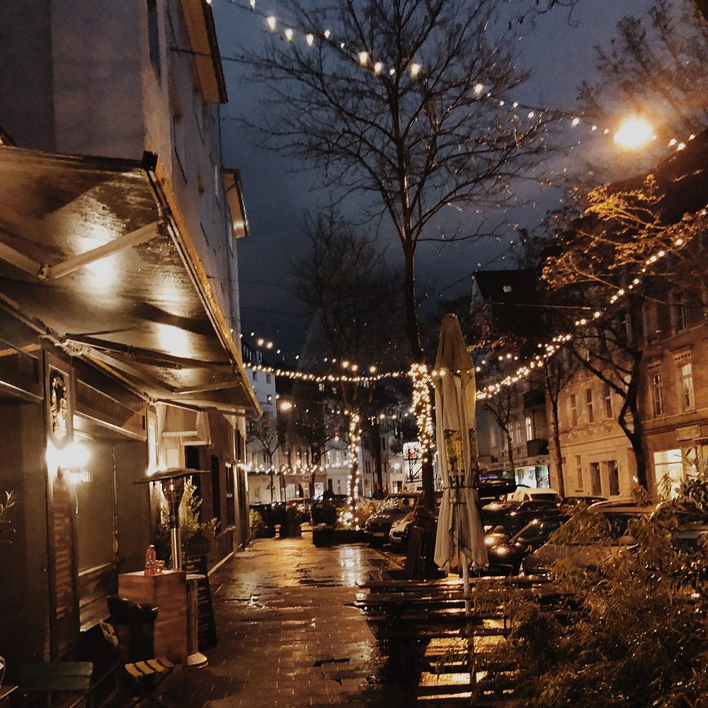 In meinem heutigen Blog schreibe ich über die Stadtidylle in der Vorweihnachtszeit.