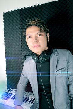 Mic Delgado Photo Music Producer Audio Engineer