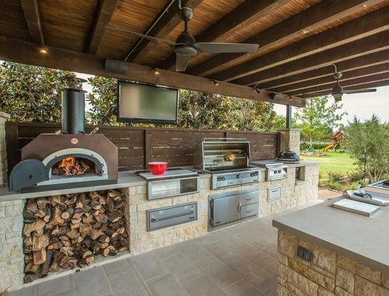 Outdoor Kitchen Design with Wood burning oven