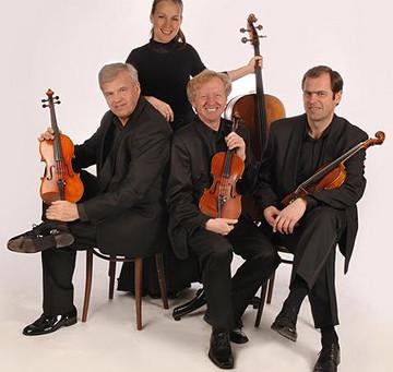 Video: Cello Duet by the Martinu Quartet Cellist Jitka Vlasankova