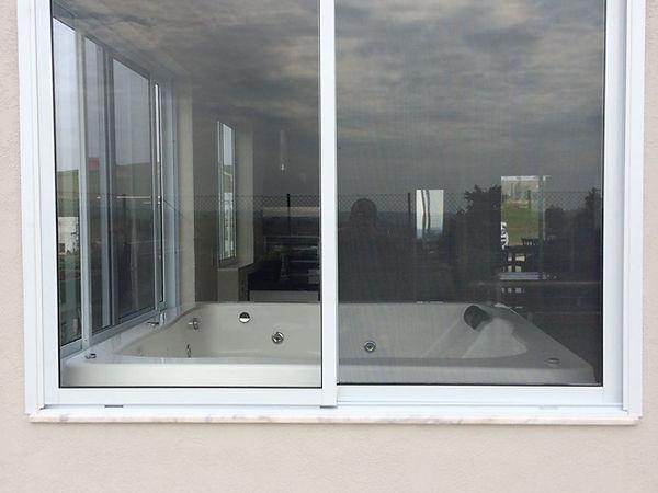 Janela de correr 2 folhas linha suprema fechamento em vidro.jpeg
