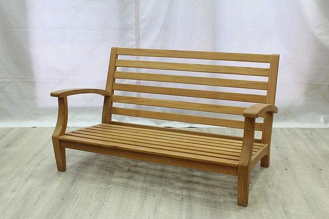 Jib Love Seat.JPG