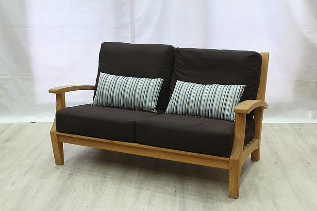 Jib Love Seat w Cushion.JPG