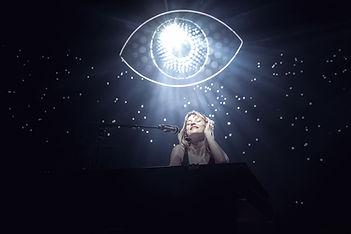 Angèle en concert au zénith d'auvergne, photographie guillaume labussiere
