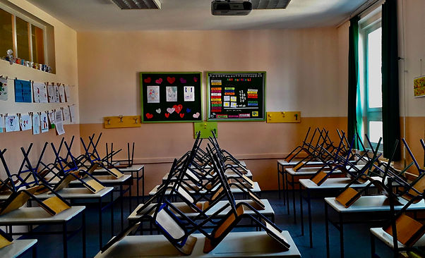 Empty_classroom_2020.jpeg
