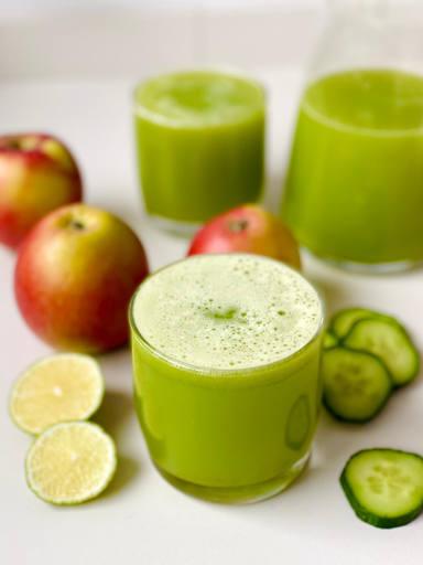 Hydrierender Apfel-Gurken Saft