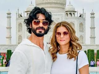 Vidyut Jammwal & Nandita Mahtani get Engaged at Taj Mahal