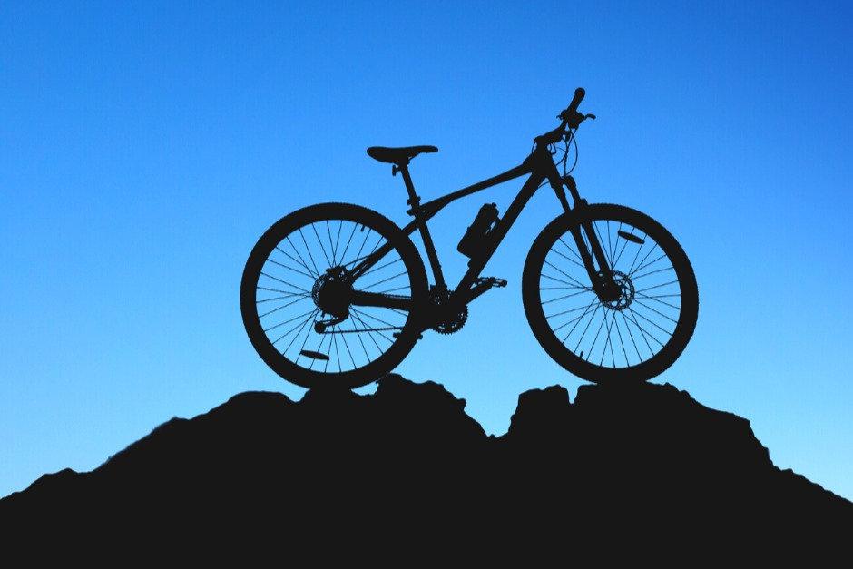 Escursione E-bike notturna con apericena