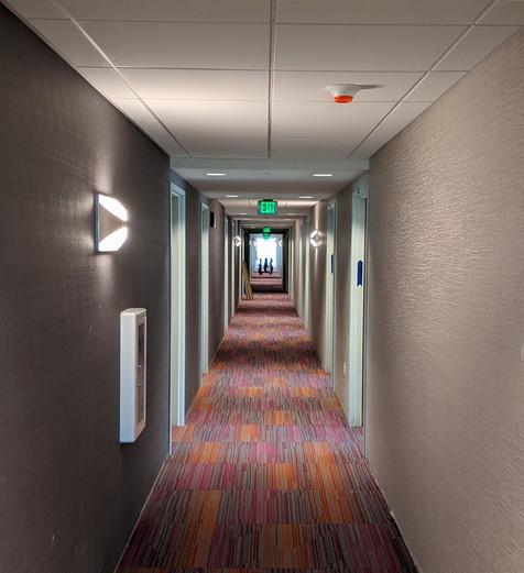 Hotel West Sacramento Hallway
