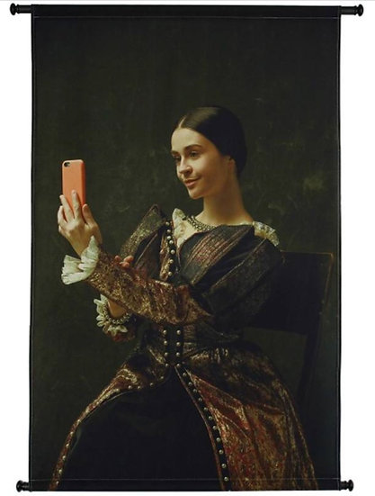 Wandhanger Renaissance Selfie