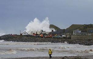 Coastal flooding in Kirkwall, Orkney.png