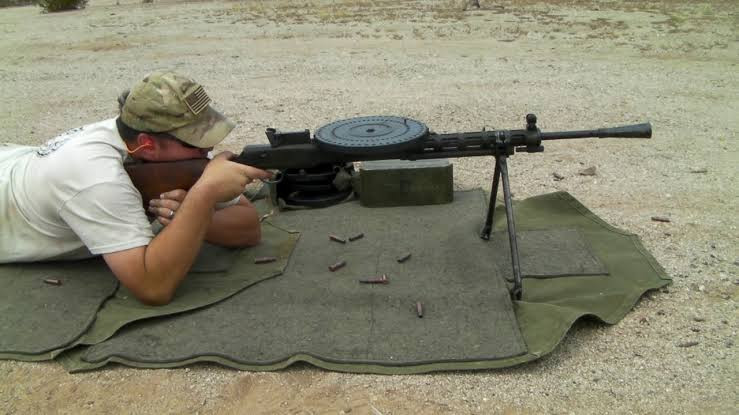 Pubg Gun - Dp 27 (  Degtyaryov machine gun  ) world war 2 gun
