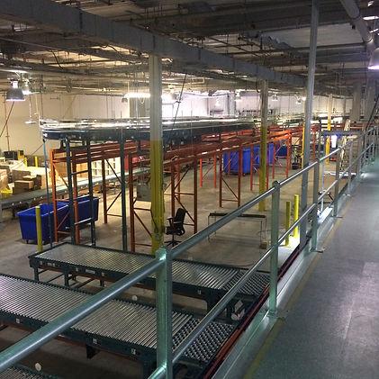 Elevated accumilation conveyor