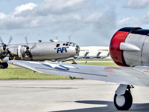 B-29A Super Fortress / SNJ-6 Texan
