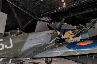 Supermarine Spitfire Mk.IX and Messerschmitt BF 109E-3