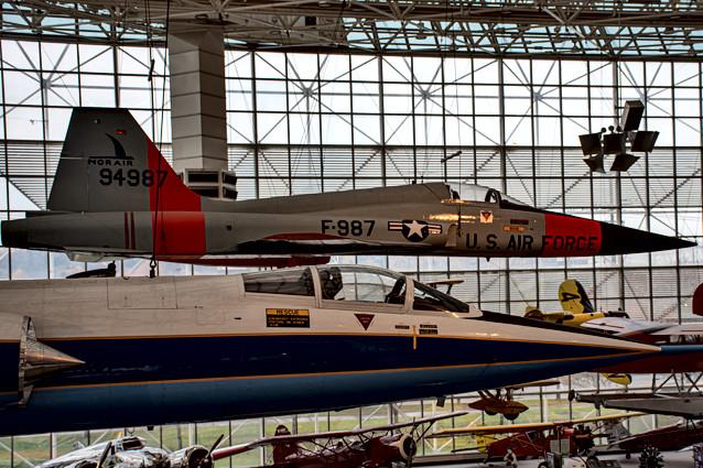 Northrop YF-5A (N-156F) Freedom Fighter (rear) / Lockeed F-104C (front)