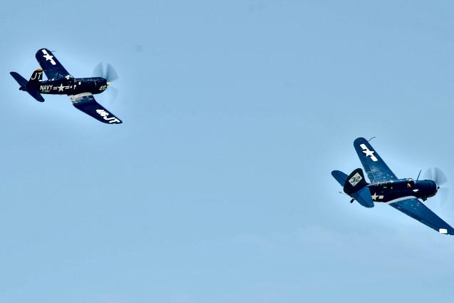 F4U-4 Corsair & SB2C-5 Helldiver