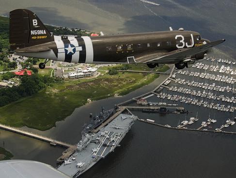 C-47A Dakota / USS Yorktwn (CV 10)