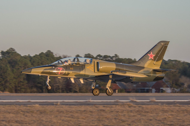 L-39 Albatros Elemen Take-off