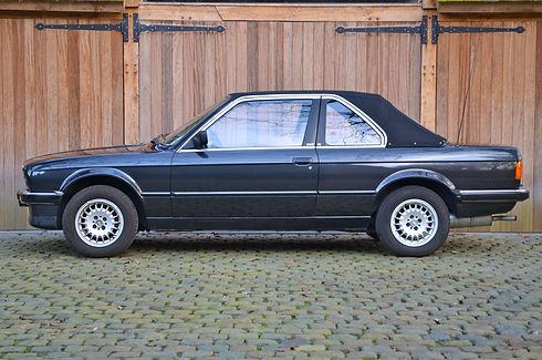BMW E30 318i TC Baur.jpg