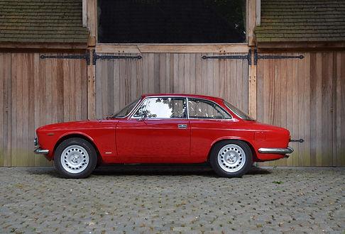 Alfa Romeo Giulia Sprint GT Veloce.jpg