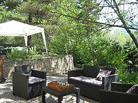 Coin détente et repas au jardin