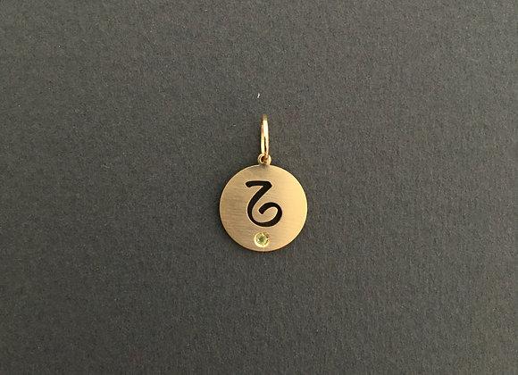 CAPRICÓRNIO : : pingente de ouro amarelo 18K e peridoto