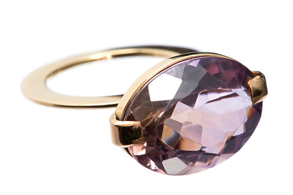SUSPENSO : : anel de ouro 18K e ametrino