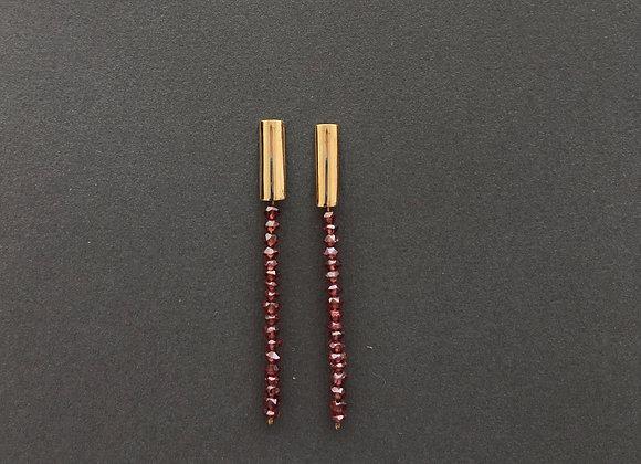 LINHA : : brincos de ouro 18K e granadas