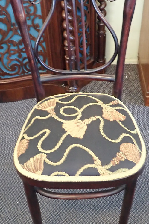 SET OF 6 BENTWOOD CHAIRS