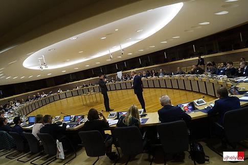 Herrundspeer freeinterrail european comm