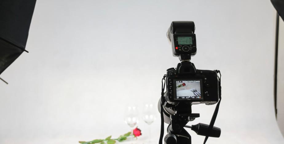 camera-dslr-light-106011.jpg