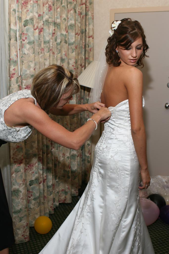 #69 mom w/bride