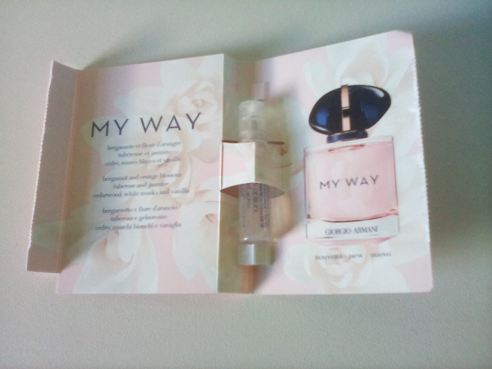 Freebies in the UK from Bodyform, Debehams and perfume sample of My Way by Giorgio Armani