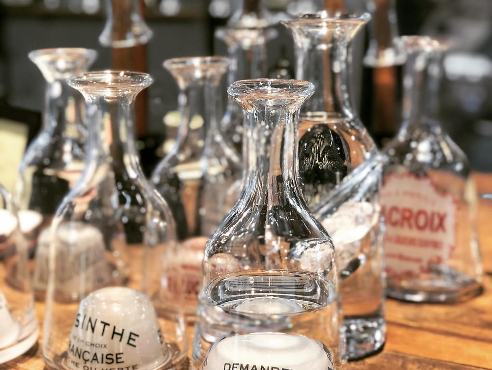 French bistro water carafe, the history and purpose of
