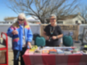 Ellen Kurtz and Nancy Williams enlighten the audience at the Heritage Festival at Canoa Ranch
